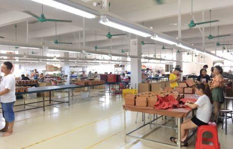 Guangzhou xiaoniu Leather bag factory China