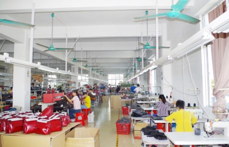 Guangzhou xiaoniu Leather bag factory